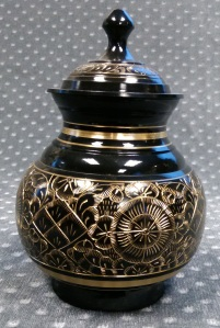 Compassionate Pet Cremation Henderson & Las Vegas NV - Black Engraved Small 0 - 15 Medium 15-35 Large 35 - 80