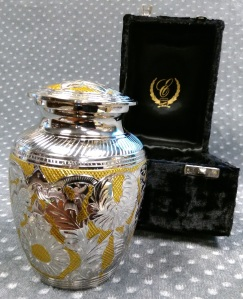 Compassionate Pet Cremation Henderson & Las Vegas NV - GM Silver Gold Medium