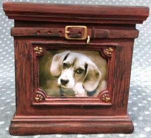 Compassionate Pet Cremation Henderson & Las Vegas NV - Wag Picture Urn Red Small Large (for Dogs and Cats)